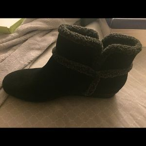Easy Spirit Black Suede boots size 11W